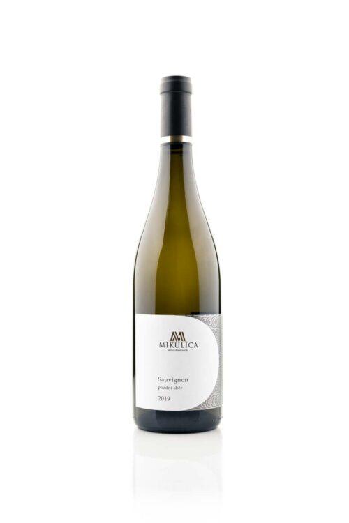 Sauvignon 2019 pozdní sběr z jižní Moravy od Vinařství Mikulica.